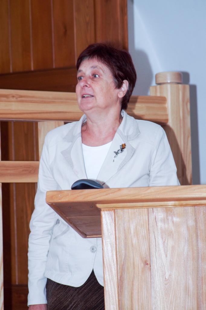 Aknīstes novadpētniecības muzeja vadītāja Olga Vabeļa