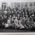 Lielzalves pamatskolas 4.-6. klases ap 1930.- 32. gadu